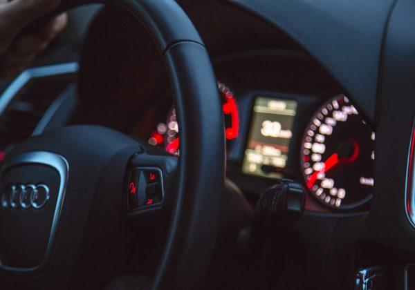 האם מותר להעסיק בני נוער כנהגים?
